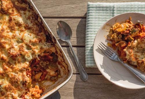 Mediterraanse schotel met vegetarisch gehakt