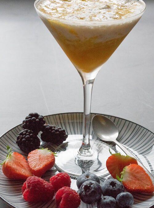 Dessert: Banaanmousse met ananas en passievrucht